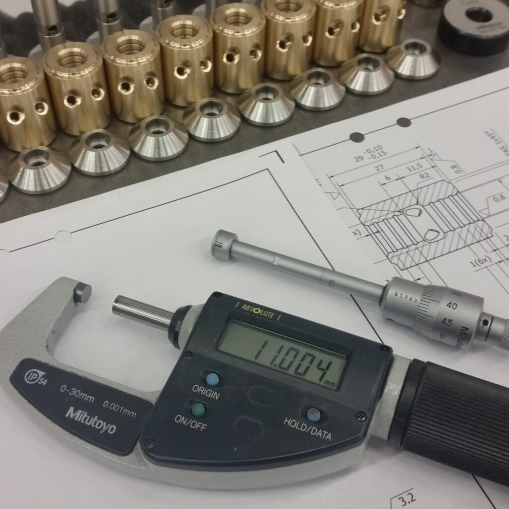Mikrometrar och ritningsunderlag